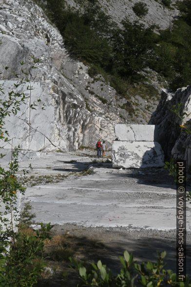 Le chemin 37 passe dans une carrière de marbre délaissée. Photo © Alex Medwedeff