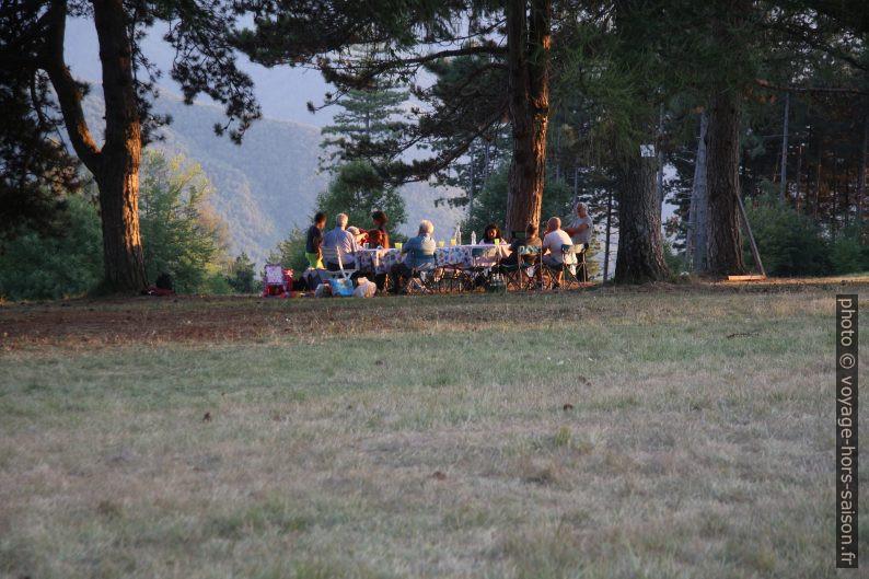 Une fête familiale sur le Monte Argegna. Photo © André M. Winter