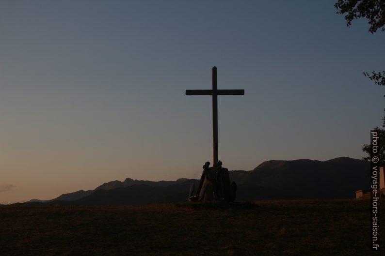 La crois sur le Monte Argegna. Photo © André M. Winter
