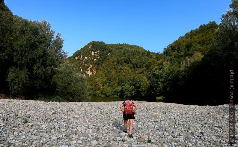 Alex marche vers le Lago di Turrite Cava. Photo © André M. Winter
