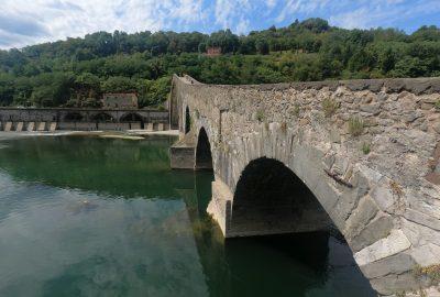 Arcs du Ponte della Maddelena. Photo © André M. Winter